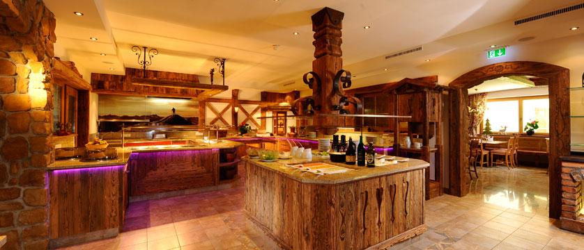 Hotel Rose, Mayrhofen, Austria - Buffet.jpg